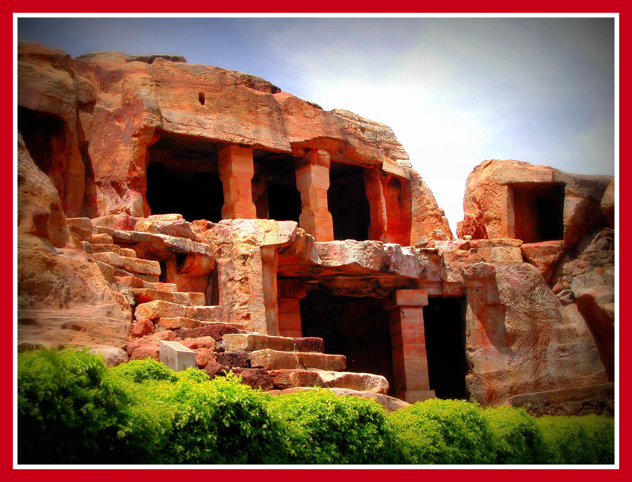 the caves of udayagiri and khandagiri Udayagiri houses a total of 18 caves while khandagiri bears as many as 15 caves in the inscriptions, udayagiri and khandagiri caves are referred as lena or leṇa if you ask about orissa udaygiri , ranigumpha, a double storied monastery, here is considered as the most important cave among all these.